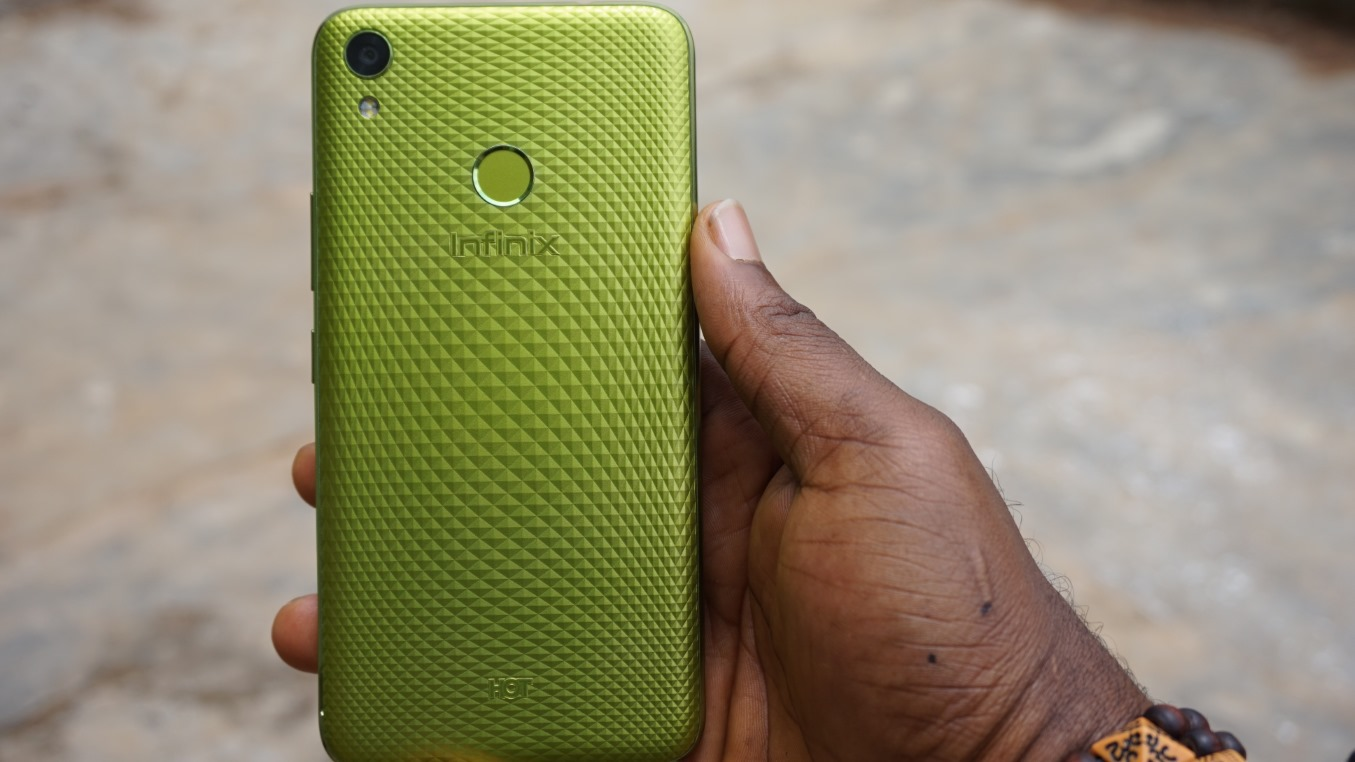 Infinix HOT 5 back view